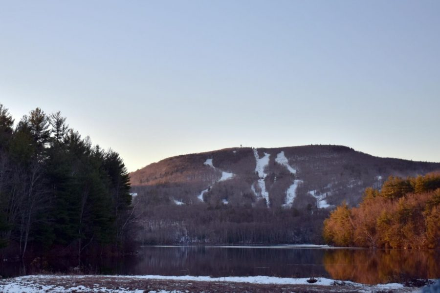 The Echo Lake reflects the Wachusett Moutain in all of its glory
